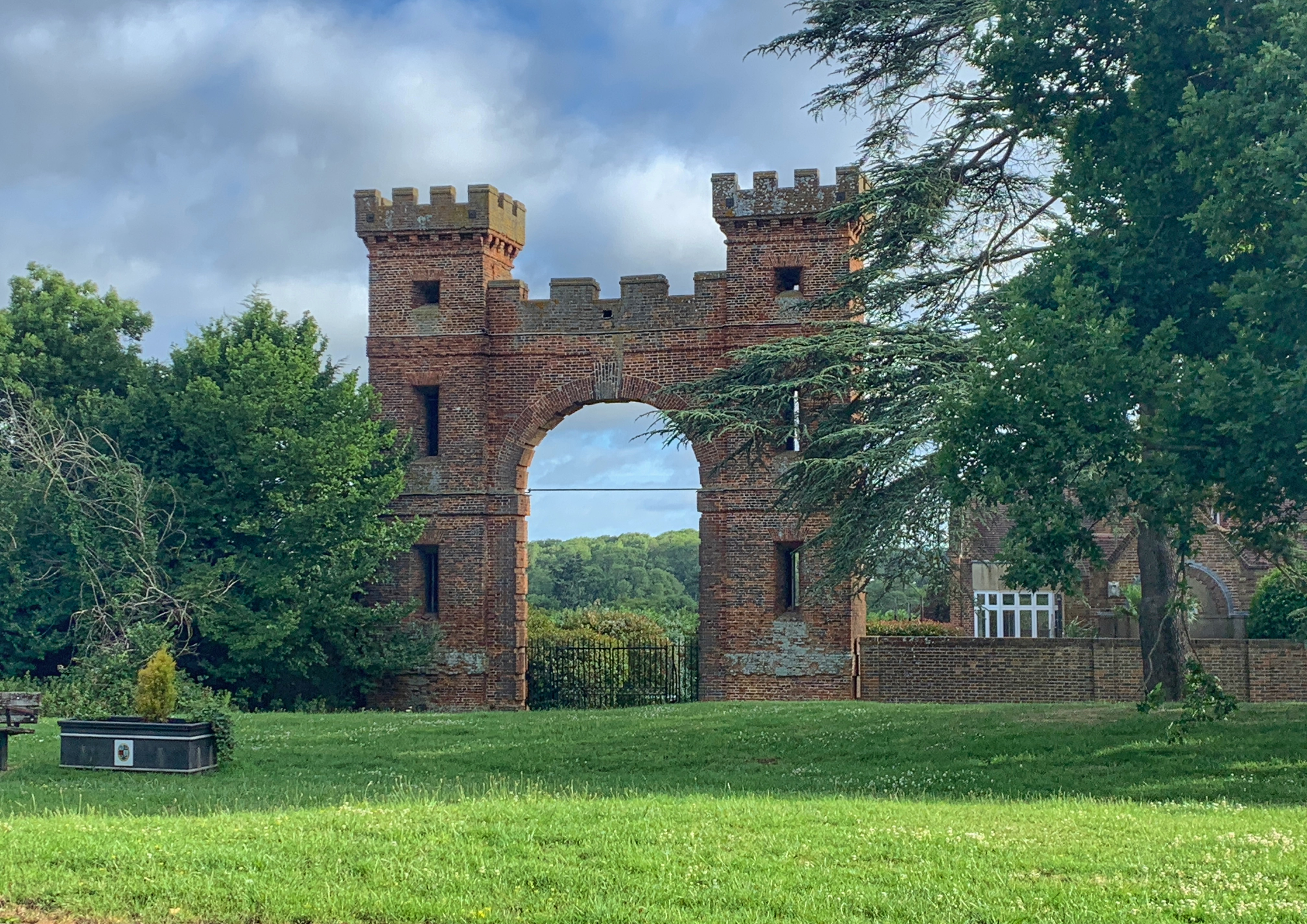 Folly Arch North to London