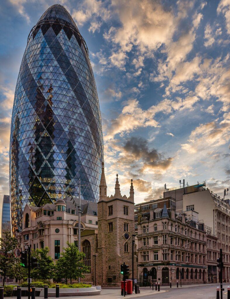 London cycling route by St Mary Axe